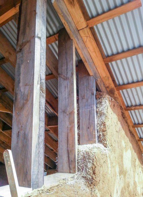 205 Corkin_26 timber, straw, mud