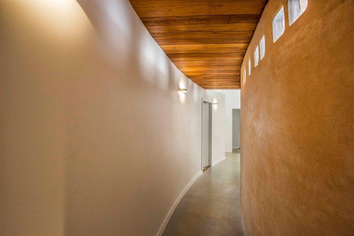 205 Corkin_curved corridor_